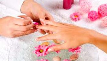 FANCY NAILS. Professional & complete NAIL CARE & DESIGN!