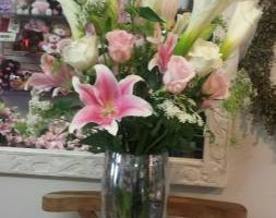Fresh flowers for wedding events