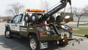 CHEAPEST TOW TRUCK SERVICES AND FASTEST RESPOND TIME/WRECKER