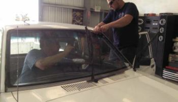 Windshield & Door Glass Replacement !