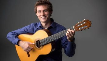 CLASSICAL GUITAR LESSONS WITH UT GRADUATE STUDENT!!!