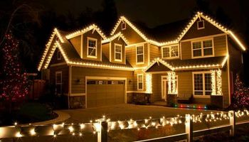 PROFESSIONAL AFFORDABLE CHRISTMAS LIGHT INSTALL
