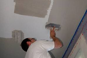 HIGH QUALITY PAINTING AND PLASTERING