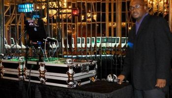 Professional DJ Services. DJ Que Yi