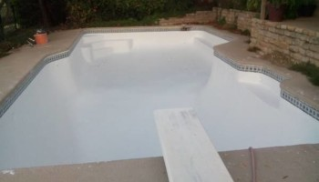 POOL PLASTER RESURFACING. CLEANING. Green POOL To Clean Blue POOL