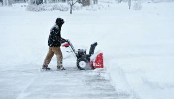 Do you need snow shoveling your house? I do it for you....