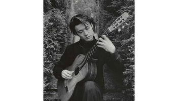 Guitarist Spanish Classical for Weddings, Cocktail Hours & Restaurants