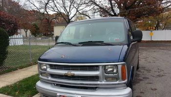 VAN RENTAL $79 per day. WEEKLY DISCOUNT!