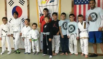 Free Jiu Jitsu classes. Learn how to use submissions for self defense!