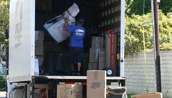 AZ CENTRAL MOVING & STORAGE. Local and Long Distance Moving Services