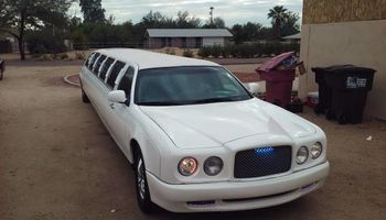 Limousine (weddings, night clubs, kids party)
