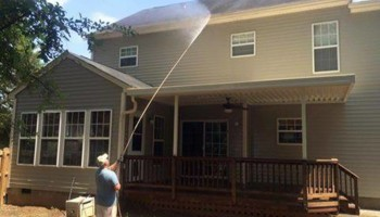 Affordable pressure washing of your home
