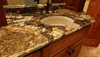 DIAMOND CUT GRANITE & MARBLE COUNTERTOPS. PERSONALIZED SERVICE!