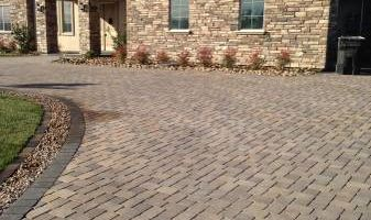FREE ESTIMATES! BLOCK WALLS-PAVERS-STONE VENEER