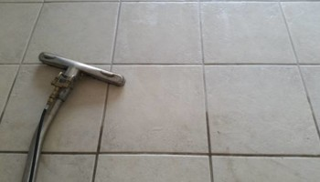 CARPET AND TILE CLEANING. SAME DAY!