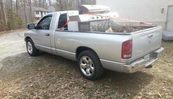 HAULING AND JUNK REMOVAL SERVICE