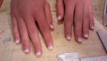 Acrylic nails/Acrilicas