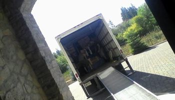 Moving SPECIALS two men w/ truck 65$/hr!