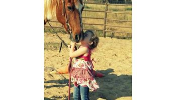 Horseback Riding Lessons! (english, western, barrel racing)