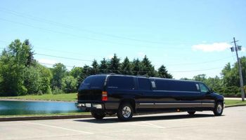 B2 LIMOUSINE Concerts, Sports Events, Weddings, Night Out!