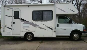 Macomb Fully Mobile dog grooming