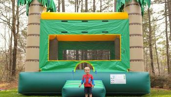 BOUNCE HOUSE RENTAL - SPECIAL PRICING - $150.00 for 4 Hour!