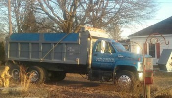 Wilson's Trucking. Dump Truck for hire