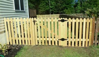 Discount Fencing. Wood / Metal / Vinyl / Picket