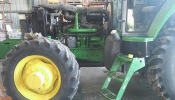 Tractor doctor - new Holland, old Ford...