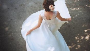 2O%Off! Pro Wedding Photographer + Videographer!...