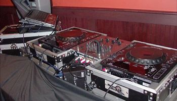 LIVE DJ/MC ~ BARS, NIGHTCLUBS, AND MORE