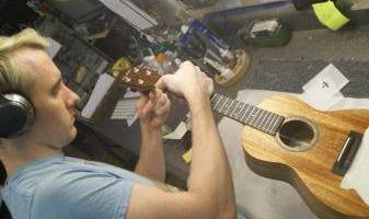 Pro Ukulele & Guitar Tech. setup/repair/electronics installations