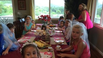 PRINCESS PARTIES. CHILDRENS HAIR, NAILS, AND MAKEUP