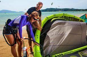 Kiteboard kitesurfing lessons Oahu. $200/2Hr