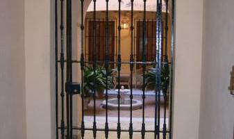 RODRIGUEZ WELDING. FENCE & GATES WORKS