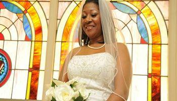 Professional Wedding Photographer serving Central AL