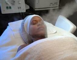 THE BEST FACIALS!!!!!! ACNE AND UNEVEN SKIN OUR SPECIALTY!!!!