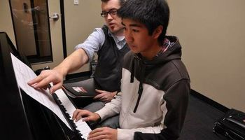 Beginner PIANO LESSONS at the Harrison School Of Music (ages 5 & Up)