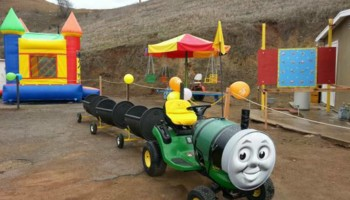 SPECIAL OFFER! BUNGEE TRAMPOLINE, TRACKLESS TRAIN, JUMPERS FOR RENT