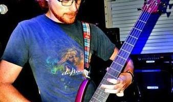 Guitar/bass guitar/ukulele lessons