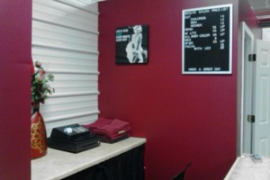 Photo #1: Be'qute Salon and Boutique
