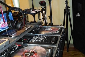 Photo #3: a DJ Tone Production Z