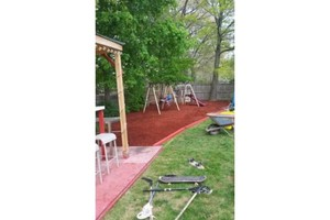 Photo #1: Henry Mulch - landscaping/ mulch installation
