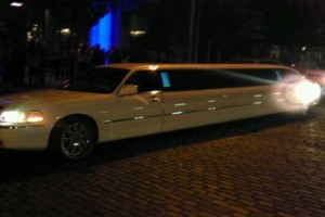Photo #1: PRIVATE STRETCH LIMOUSINE - EXTREMELY LOW PRICE!!!
