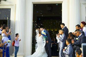 Photo #1: Wedding photography $ 400 package special