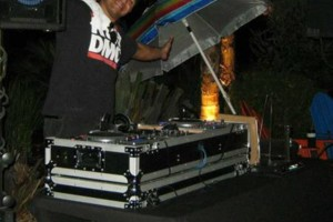 Photo #1: DJ-D3. Don't You Wanna Party?