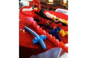 Photo #1: This Weekend Special!! FACE PAINTING PLUS!!;BALLOONS; MAGIC + GAMES
