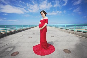 Photo #1: Jessie Wang Photography. Maternity and pregnancy photography