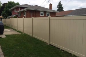 Photo #1: HOME RUN FENCE - All your fence needs. FREE ESTIMATES!