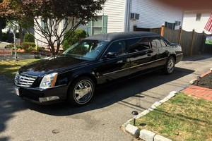 Photo #1: Limousine Service* best rate PROM,CONCERTS,ETC